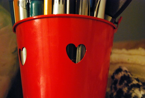 Love pencil cup