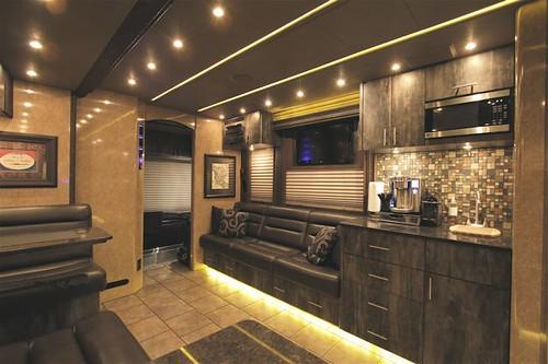 Arrowhead - Front Lounge