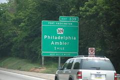 DSC_0916 (Ian Ligget) Tags: road signs philadelphia sign turn bristol grove pennsylvania pa willow freeway button shield interstate turnpike pike copy penna shields 276 bensalem i276
