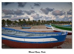 Barcas varadas (Galería de Manuel Rguez. Prieto) Tags: marina atardecer nikon mediterraneo playa barcas salou panoramafotográfico
