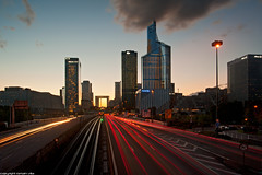 Pont de Neuilly - La Defense - Paris (romvi) Tags: city longexposure sunset motion paris france cars monument architecture clouds buildings subway de atardecer lights la nikon europe tramonto cityscape skyscrapers metro towers trails ladefense villa pont lighttrails nuages tours defense romain 92 ville offices voitures neuilly couchdesoleil grandearche fil bureaux gratteciel immeubles batiments hautsdeseine pontdeneuilly lumires longuepause d700 romainvilla romvi