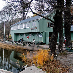 Stockholms Roddfrenings bthus, Stockholm (s_p_o_c) Tags: arkitekt arkitektur architect architecture sigurdlewerentz stockholmsroddfrening bthus rowingclub grdet stockholm boathouse djurgrden djurgrdsbrunn