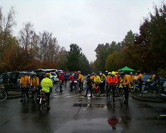 Massed randonneurs wait for me to give the preride announcements