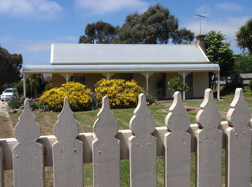 Sewjourn fence