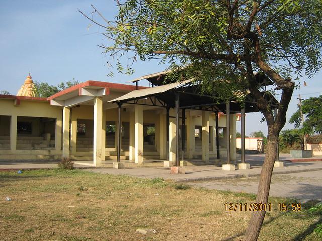 Lohegaon Cemetery - Visit to Pankaj Aasmaan  on Lohegaon Wagholi Road at Lohegaon Pune 411 047