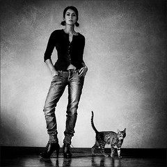 g'rainy monday (gosia janik) Tags: madrid cat self grain gato sesion fotografo grano thelittledoglaughed ldlportraits ldlnoir