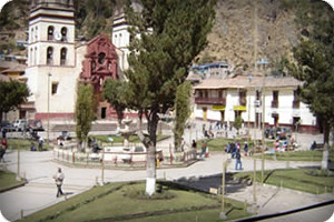 plaza-de-huancavelica-peru