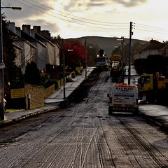 Resurfacing Castle Chimmins Rd (ian.robertson.63) Tags: scotland roadworks glasgow tar resurfacing contrejoure rsplant