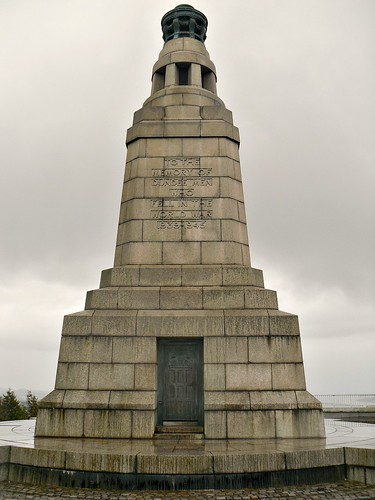 War Memorial on Dundee Law from west
