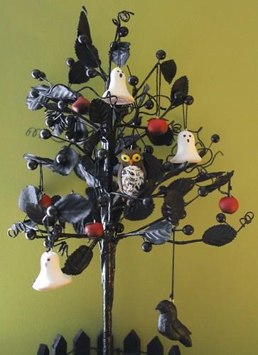 Halloween Tree - top