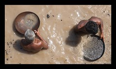 Varanasi #1 (bighead_maicol) Tags: travel india rio river bath indian holy varanasi ash pyre ceniza indio ganga ganges pira ghat sagrado benarés