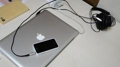 iPhone 4Sの黒にアップル純正白バンパー装着レビュー