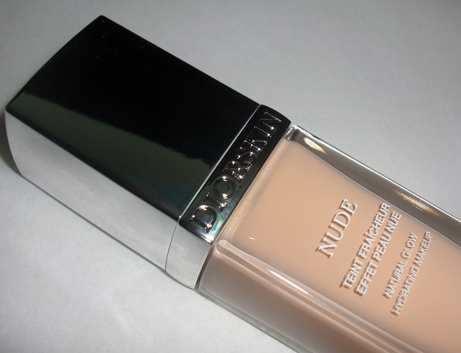 Diorskin Nude Natural Glow Hydrating Makeup Liquid Foundation SPF 10