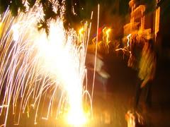 too much light (Adrakk) Tags: india festival fireworks cracker diwali firecracker ptard inde feudartifice pataka dipavali