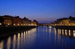 Ponte Vecchio at Night (Martin Smith - Having the Time of my Life) Tags: sunset italy florence nikon italia tuscany firenza bluehour pontevecchio arnoriver oldbridge ponteallegrazie d7000
