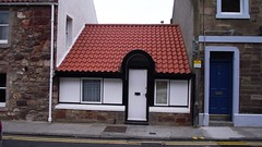Hobbit seaside cottage? (byronv2) Tags: house building home architecture coast scotland cottage coastal tiles northberwick tiled eastlothian tiledroof