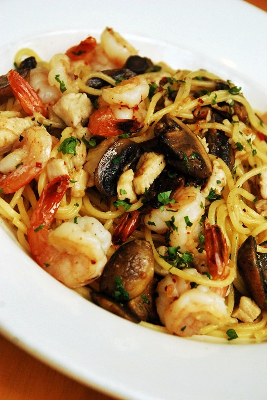 Olive Oil & Garlic Spaghetti with Shrimp