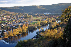 Capdenac Port, Aveyron (lyli12) Tags: france port automne nikon gare lot pont paysage ville voie limite aveyron chemindefer midipyrénées capdenac