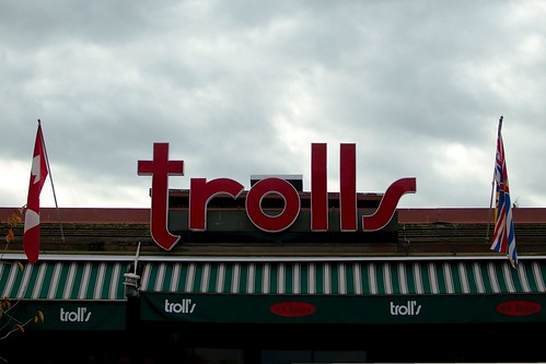 65 ans de Trolling !