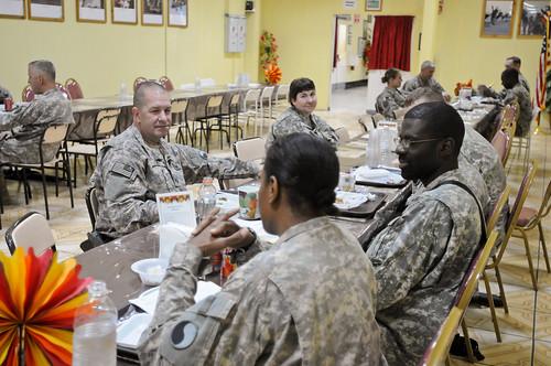 Maj. Gen. Thomas Spoehr and Col. David Carey Serve Thanksgiving Day Mea