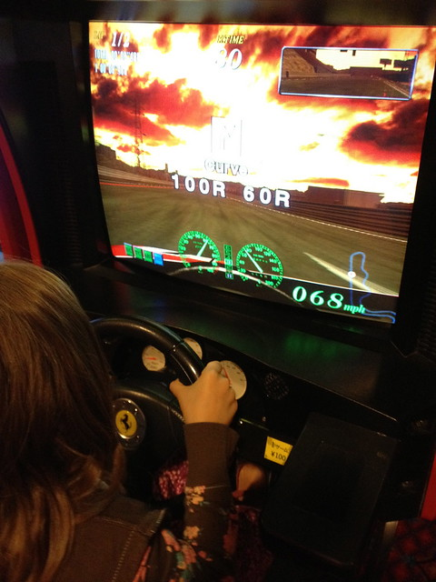 Driving game arcade