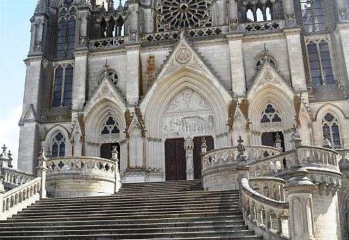 Parte inferior de la fachada