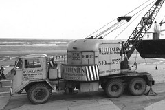 Lorain Study (Bournemouth 71B / 70F) Tags: car liverpool truck lima taxi cranes international lorry vehicle hire coles anfield lorain kirkby ruddington pettibone burtonwood supportvehicle mitchigan breckroad prescotroad woolfenden hydrocon walterwoolfenden woolfendengarage