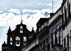 Cielo portuense (pibepa) Tags: sky españa cloud fotosencadenadas azul clouds andalucía spain espanha eu panasonic cielo nubes cielos cádiz espagne nube spanien campanario spagna spanje iberia nwn spania veleta 西班牙 hispania spagne espadaña elpuertodesantamaría lacadena hispanio испания إسبانيا lumixtz5 pibepa oct2011 lumix2011 premiadareto ヒスパニア