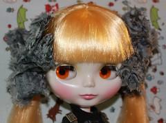 Laine and her new hair ribbons! (velvetchi) Tags: hair dolls buttons hats tattoos teddybear skateboard ribbon blythe freckles zombies doggie customs ancientgoddess ttya cyberpunkheadband mmmouse jo~anns