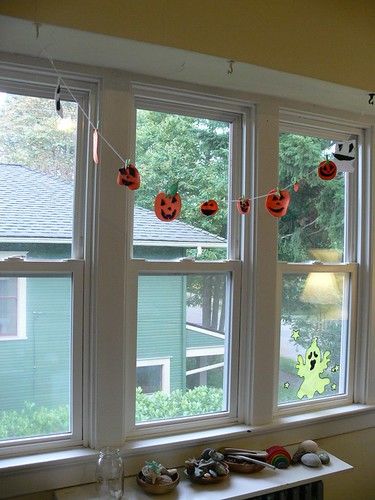 Stumbles & Stitches: Jack O Lantern Garland: Kid Craft!