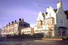 "The old Castle Pub • <a style=""font-size:0.8em;"" href=""http://www.flickr.com/photos/59278968@N07/6326150358/"" target=""_blank"">View on Flickr</a>"