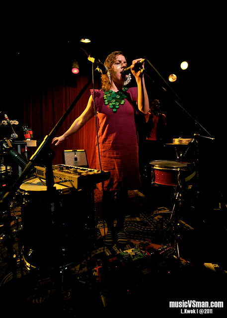 tUnE-yArDs @ Off Broadway