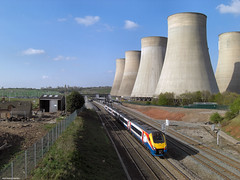 East Midlands Parkway (Lady Wulfrun) Tags: nottingham train towers tracks railway parkway rails electricity april railways 2009 generation powerstation coolingtower cooling notts eastmidlands eon ratcliffeonsoar eastmidlandsparkway
