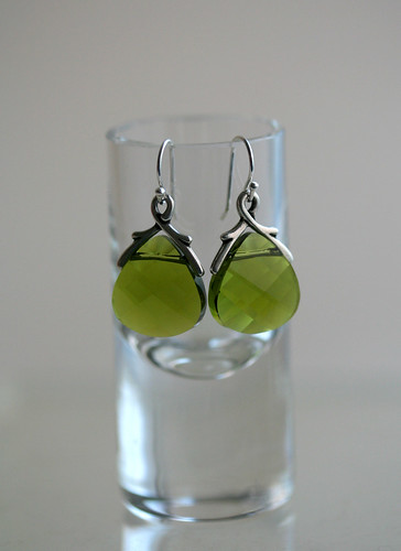earrings_olive