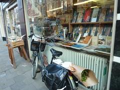 Colette Antiquariaat (JosDay) Tags: street bike reflections etalage fiets straat 2ndhand bookshops coletteantiquariaat