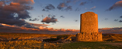 Between lights and shades [Uxamas Atalaya] II (Artigazo ) Tags: sunset panorama espaa canon atardecer zonsondergang spain ruins espanha mess europa europe tramont