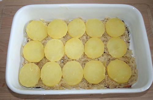 15 - Mit Kartoffelscheiben belegen