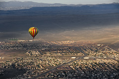 loner (tanguera75) Tags: panorama flying colorful fiesta view albuquerque birdseyeview mountans hotairballoonxridexfromtheair