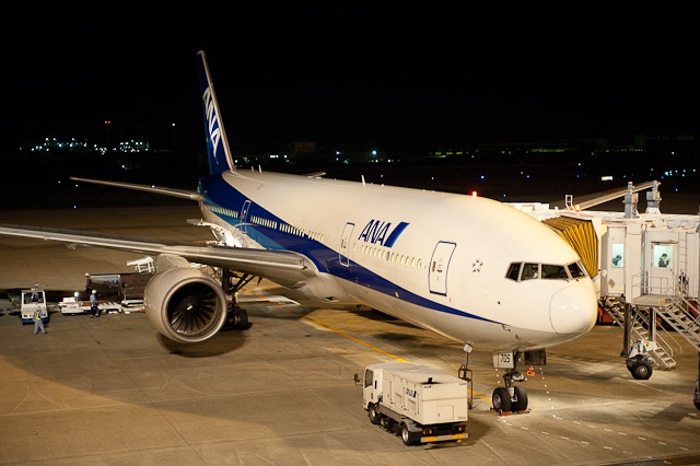 ANA JA705A Boeing777-200