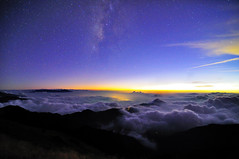Milky Way and Sea of Clouds  @ (Vincent_Ting) Tags: sunset sky mountain night clouds star glow taiwan trails flare formosa   crepuscularrays startrails                 seaofclous