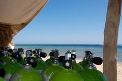 Surface Interval (Kleine Cos) Tags: sky pen tank dive olympus lucht egypte duiken