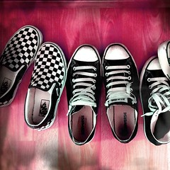 2011-11-06 (BobDe1) Tags: black art love feel style sneakers converse vans schuhe allstar chucks slippers