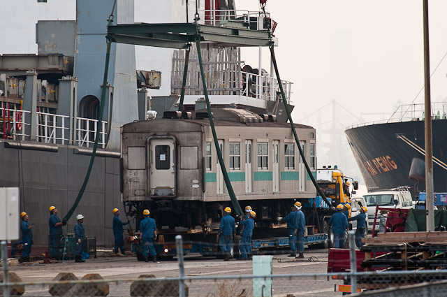 フィリピン向け 203系 マト53,54,55編成 船積み