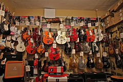 'THE WALL OF GRETSCH'. (LARSERAQ) Tags: london canon martin guitars 7d vox gibson gretsch thebeatles sidvicious denmarkstreet musicstores höfner 1585mm guitarshops larseraq larsmadfar larsmarcussen olebekker steenhebsgaard jørgenagerbæk vintageguiars