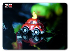 Mi mundo (Ashary_81) Tags: blue red two color verde green car yellow azul toy photography one three miniature photo rojo foto small amarillo dos coche uno tres myworld fotografia sales lidia pequeo miniatura juguete mimundo aparicio ashary