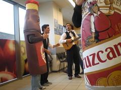 Tmate los Carnavales con Cruzcampo (The Caseta) Tags: la los publicidad con cruzcampo carnavales agencia caseta tmate