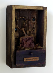 Silent Butler - left view (Scottius) Tags: sculpture art box recycled assemblage foundobject