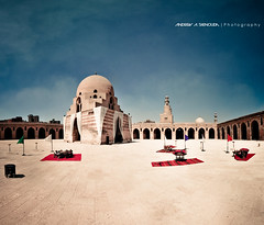 Ahmed Ibn Tulun Mosque (Bakar_88) Tags: old sky panorama building tourism architecture geometry minaret egypt arches mosque cairo architectuur mosk egypte gebouw ibn lightroom  oldcairo ibntulun   moskee   arkitektura gusali tulun  lecaire  nikond90 kayro ahmedibntulun  ehipto  tulunidperiod