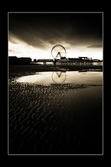 blackpool II (Kevin Nutter) Tags: wheel canon dawn mono pier big lancashire funfair blackpool 60d reflectection