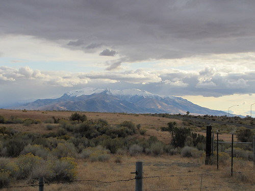 IMG_4247_Snow_Capped_Mountain_I-80_in_Nevada